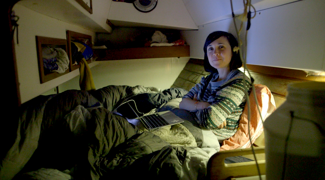 Me revoilà en train de vous écrire les Polar Week dans ma cabine… Sur ATKA, on est si bien ! Ambiance boulot avec plaisir…aucun soucis là dessus, le plus dur est d'avoir assez de connection internet pour vous l'envoyer !