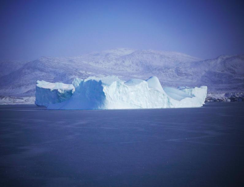 Iceberg proche du bateau ATKA.